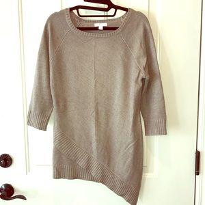 Asymmetrical hem 3/4 sleeve sweater